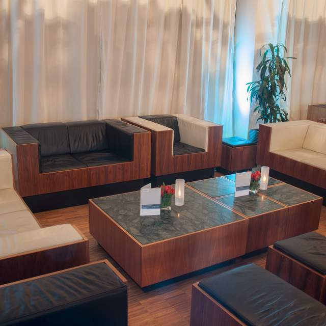 010-capitol-yard-golf-lounge-lounge