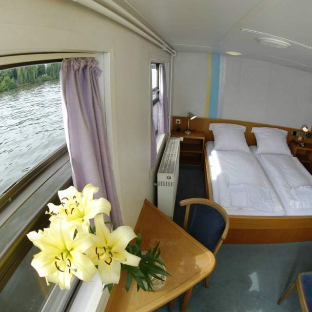 eastern-comfort-hostel-lounge-1